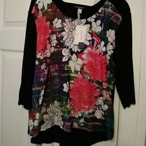 Three-quarter black blouse floral front and studde